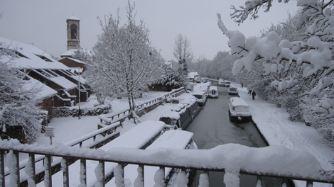 <p>Winter scene at the Oxford Canal</p>